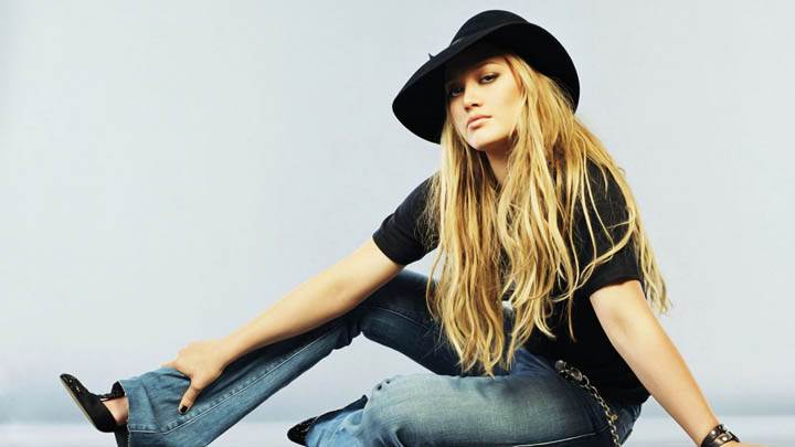 Hilary Duff Wearing Black Hat N Blue Jeans
