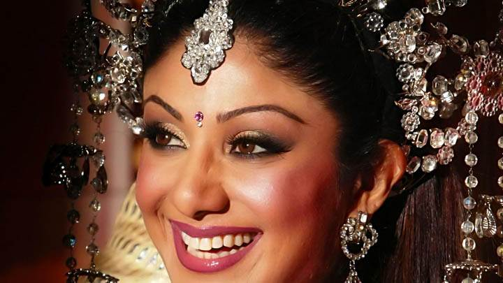 Shilpa Shetty Laughing Side Pose