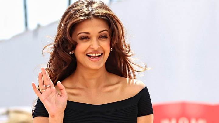 Aishwarya Rai In Black Top And Smiling