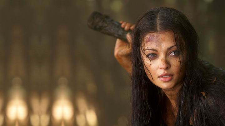 Aishwarya Rai In Fighting Move Raavan Movie