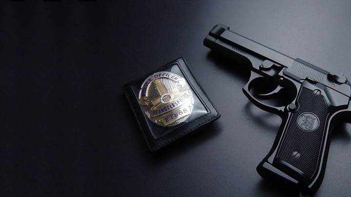 Los Angels Police Gun With Badge