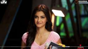 Sonam Kapoor Smiling In Pink Top – I Hate Luv Storys