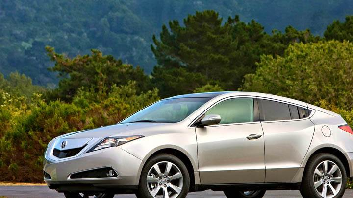 2010 Acura ZDX Side Pose In Silver Color