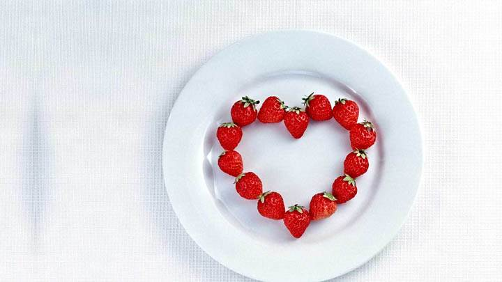 Heart Of Strawberries In A Plate