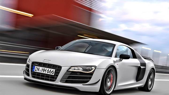 2010 Audi R8 GT Silver Color On Race Course