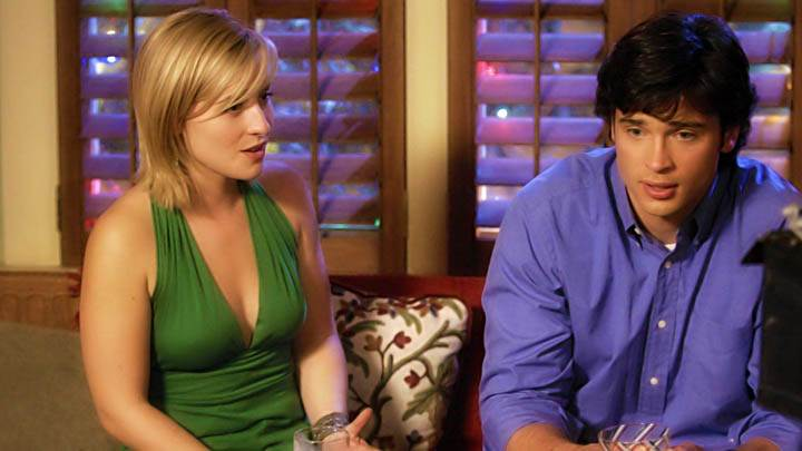 Allison Mack Beer In Hand Green Dress