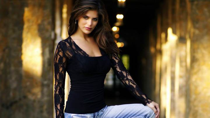 Anahi Gonzales In Black Top And Blue Jeans Photoshoot
