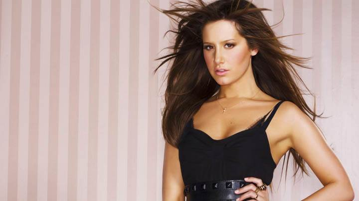 Ashley Tisdale Nice Photoshoot Seductive Look