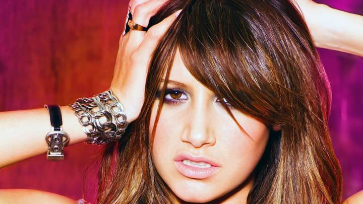 Ashley Tisdale Wow Pose Face Closeup