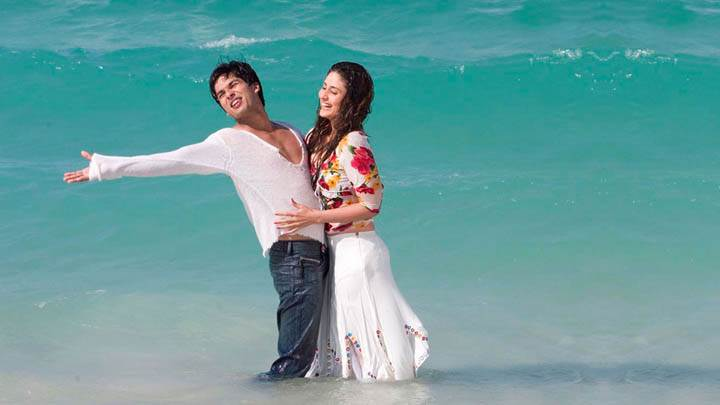 Movie Milenge Milenge Shahid Kareena In Sea Laughing