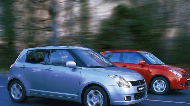 Suzuki Swift Red And Blue Sport Car Racing