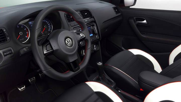 Volkswagen Polo Worthersee 09 Concept Interior Stearing And Seats