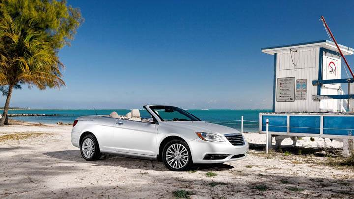 2011 Chrysler 200 Convertible Side Pose Near Beach