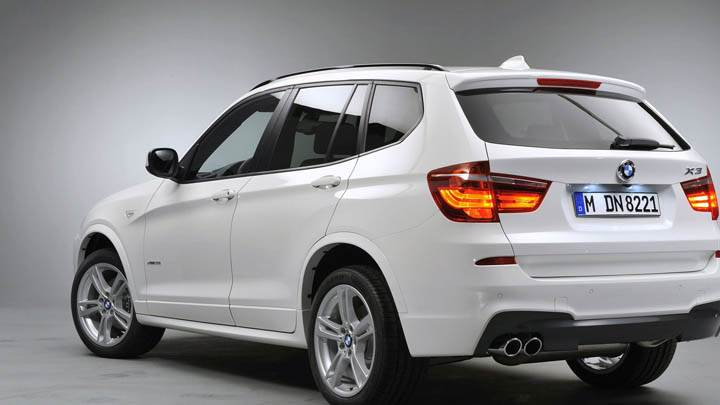 BMW X3 Back Pose In White Color