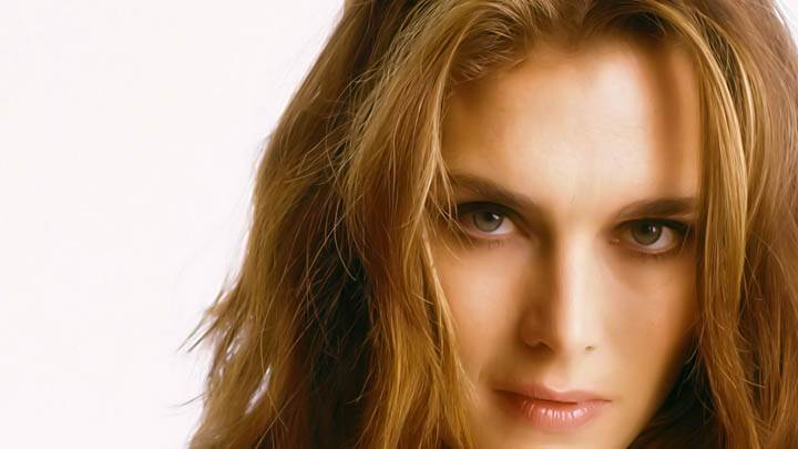Brooke Shields Cute Red Lips Face Coleup