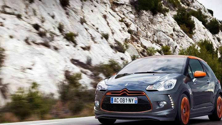 Citroen DS3 Racing On Highway