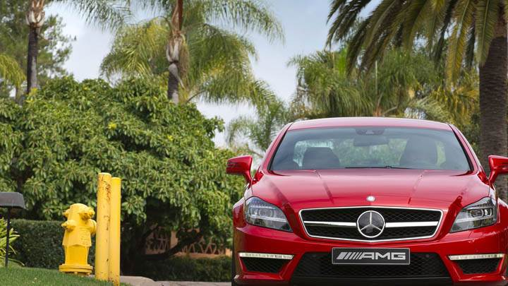 Front Pose Mercedes-Benz CLS63 AMG 2012 Red Color