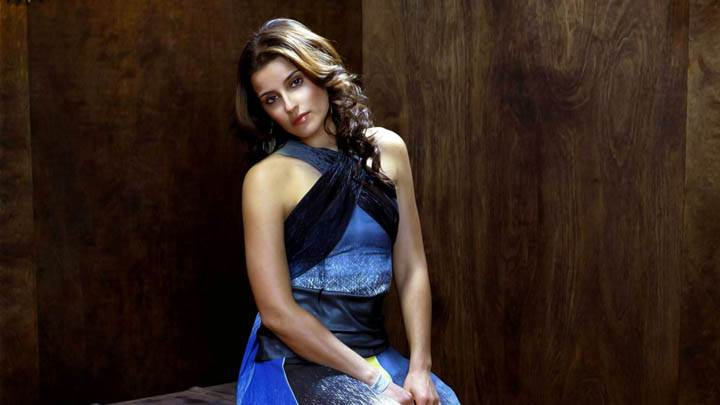 Nelly Furtado Very Cute Wallpaper