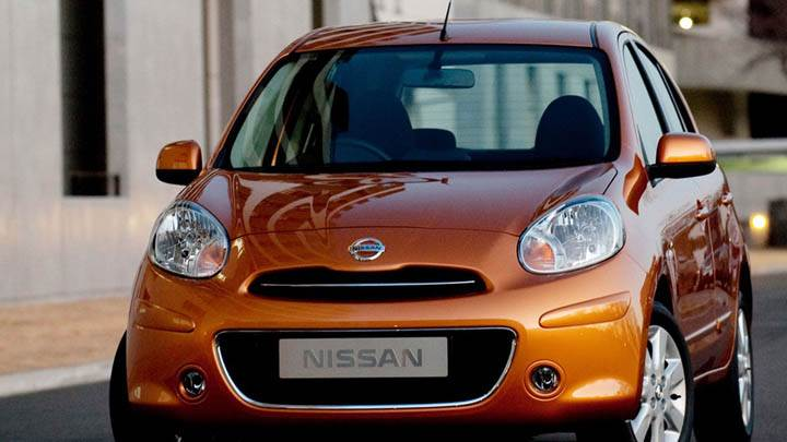 Nissan Micra Tekna 2011 Orange Front Pose