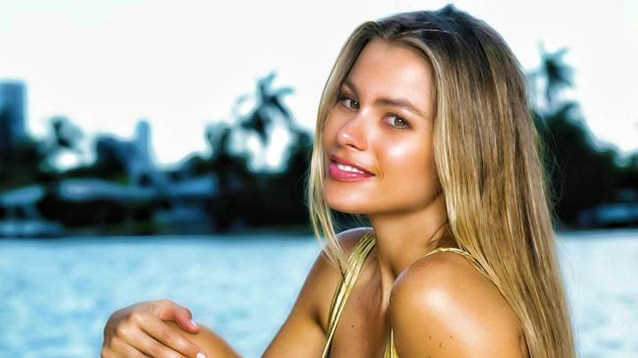 Sophia Vergara Sitting Golden Bikini At Beach