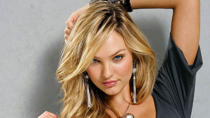 Candice Swanepoel Cute Looking Pose