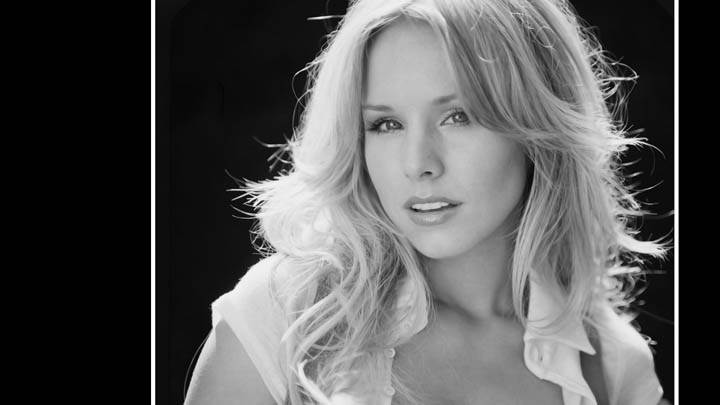 Kristen Bell Black N White Wallpaper