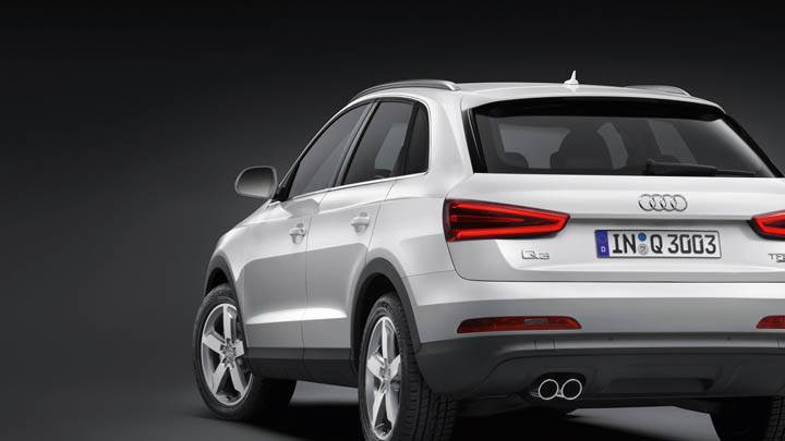 2012 Audi Q3 Back Pose in White Color