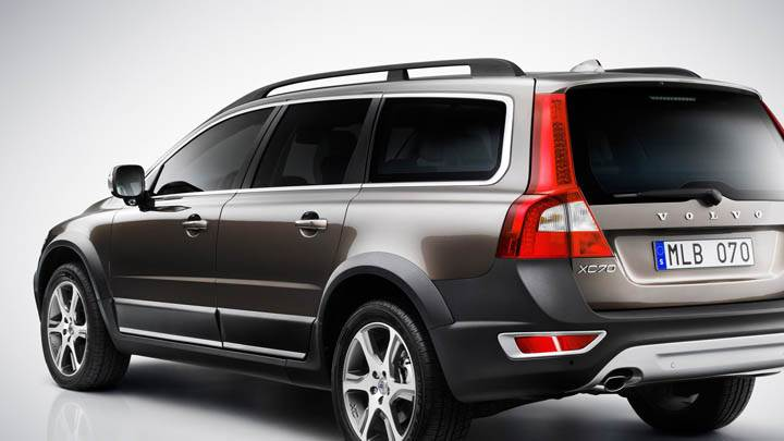 2012 Volvo XC70 Back Pose
