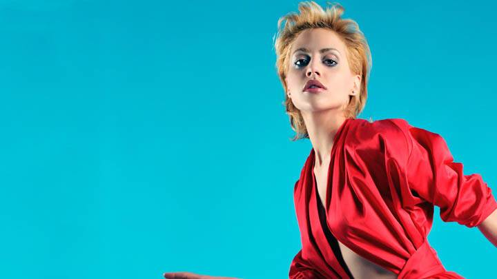 Brittany Murphy Photo – Pose in Red Dress