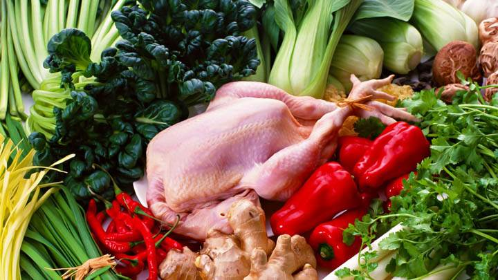 Chicken Between the Vegetables