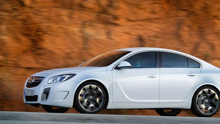 Opel Insignia Opc Unlimited White Side Pose