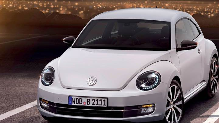 Volkswagen Beetle 2012 Front Pose in White