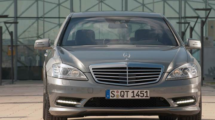 2010 Mercedes Benz S350 Bluetec Front Facing