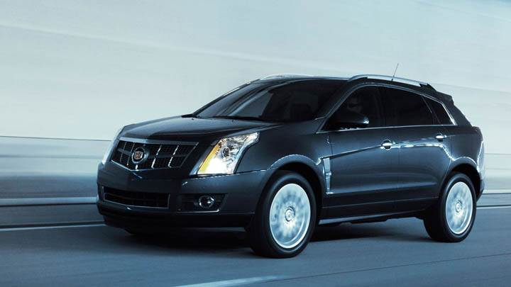 2011 Cadillac SRX Running on Highway