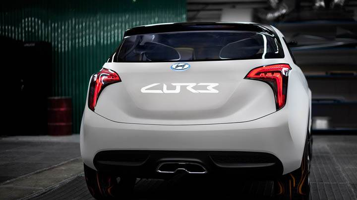 Back Pose of Hyundai Curb