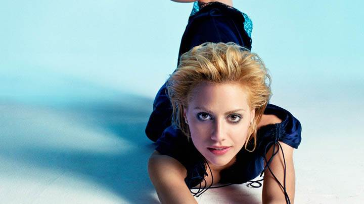 Brittany Murphy Modeling Pose Laying on Ground