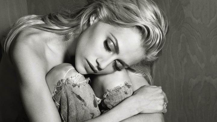 Brittany Murphy Sleeping Pose in Black & White