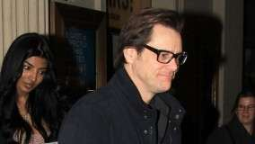 Jim Carrey – Wearing Glasses in party