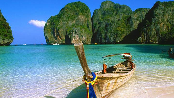 May Bay, Phi Phi Island, Thailand