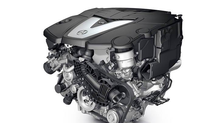 Mercedes Benz S350 Engine Closeup