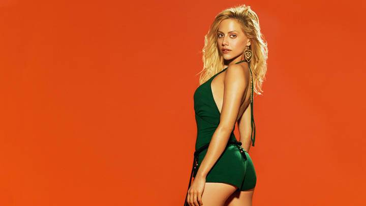Nice Looking Brittany Murphy in Green Dress