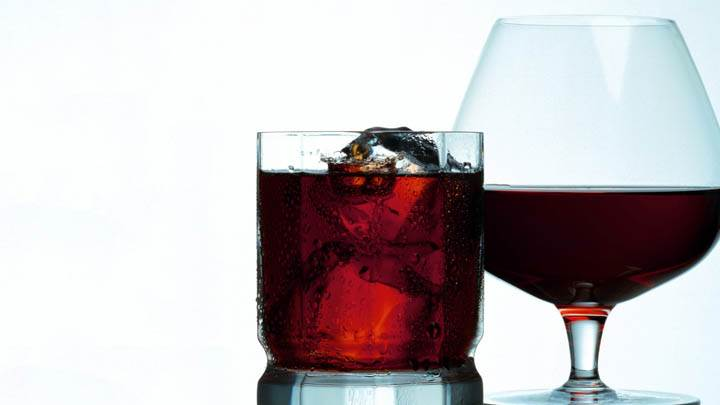Red Wine in Glass With Ice