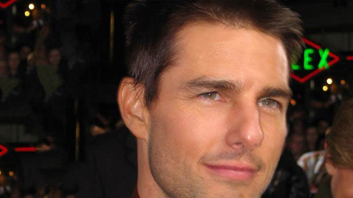 Tom Cruise – Face Closeup and Smiling