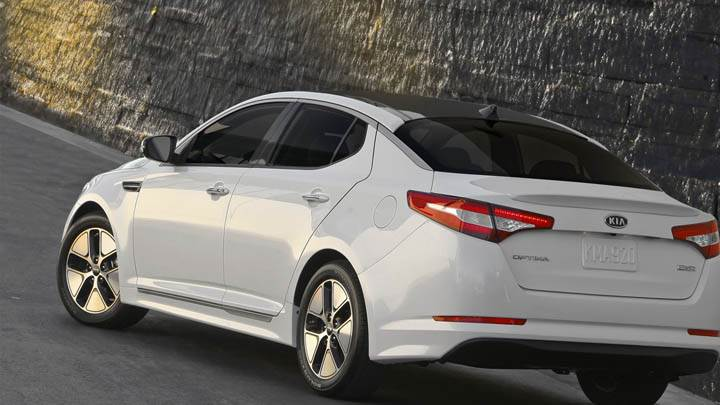 White Color Kia Optima Hybrid Back Pose