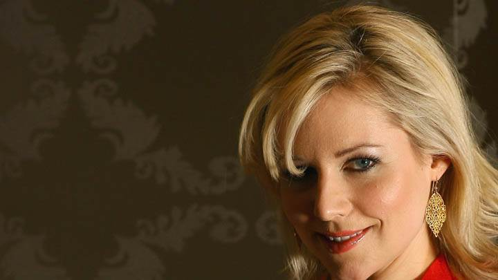 Abi Titmuss Smiling And Side Face Closeup