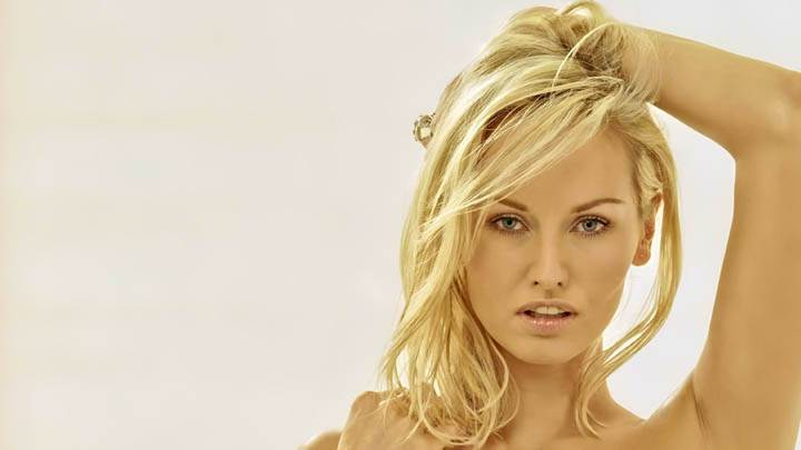 Adriana Karembeu Body Photoshoot
