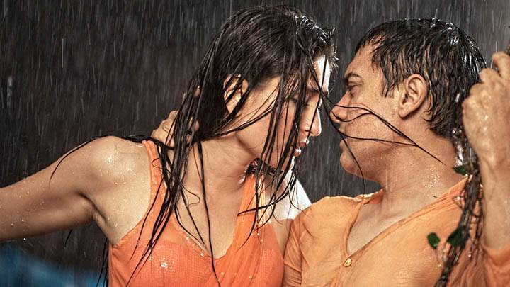 Kareena Kappor & Amir Khan In Movie 3 Idiots