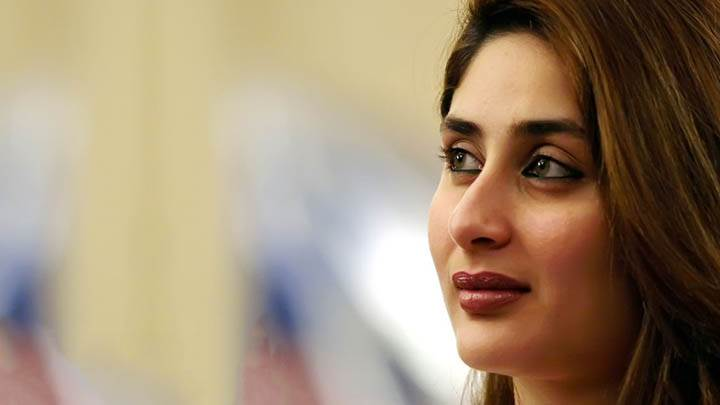 Kareena Kappor – Brown Lips Face Closeup And Smiling