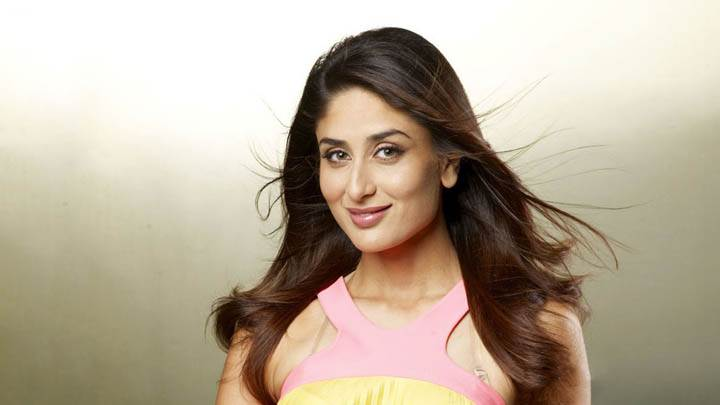 Kareena Kappor – Innocent Face And Smiling