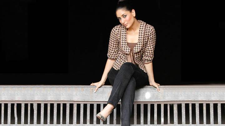 Kareena Kappor – Sitting On A Bench